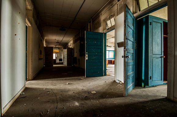 Dilapidated abandoned school in North Carolina - Door number 3 & Integrity Imagery | Creepy Abandoned North Carolina School ...